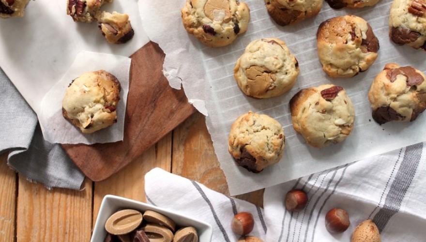 Cookies aux noix de pécan, noisettes, amandes, chocolat au lait et dulcey