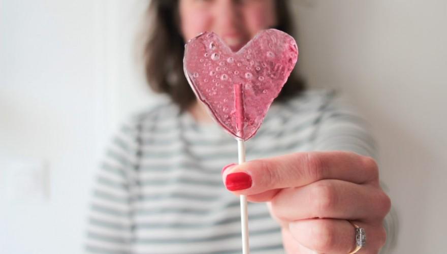 DIY : je fabrique mes sucettes cœur