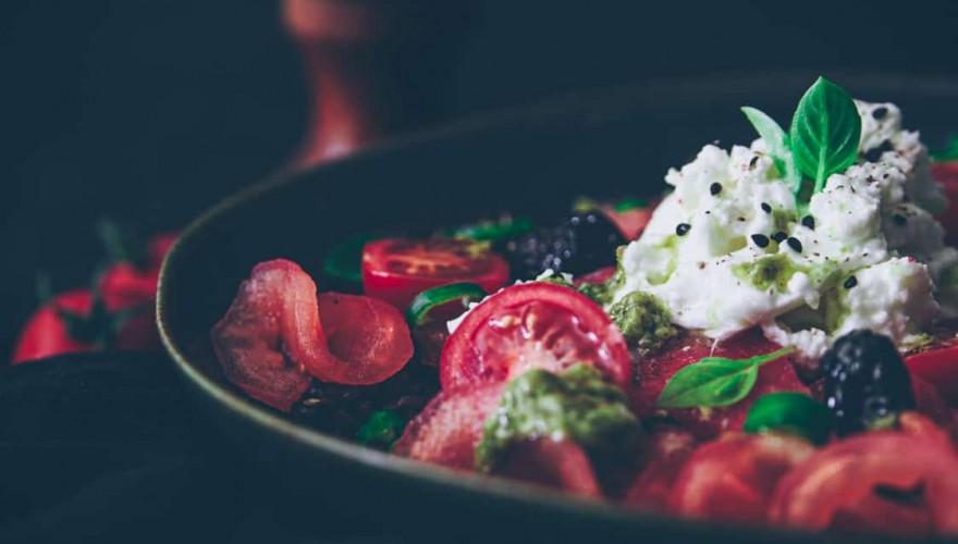 Salade de riz vénéré aux tomates & pastèque