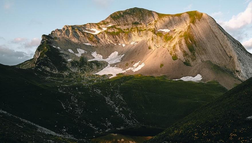 Lac du Mont Charvin : randonnée et bivouac dans les Aravis