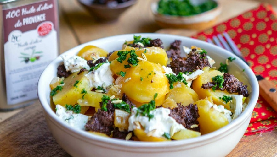 Salade de pommes de terre, tapenade et burrata