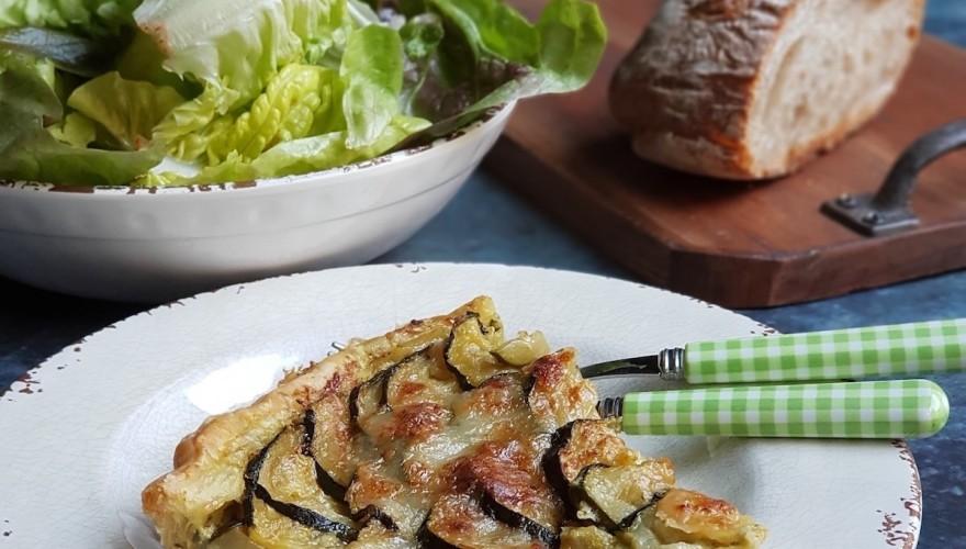 Tarte aux courgettes, pesto et Parmesan