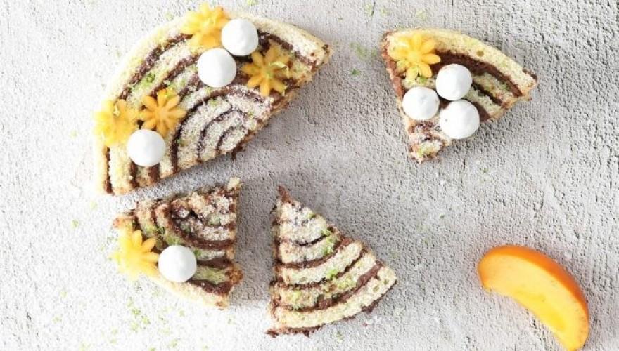 Gâteau roulé au chocolat et kaki flower