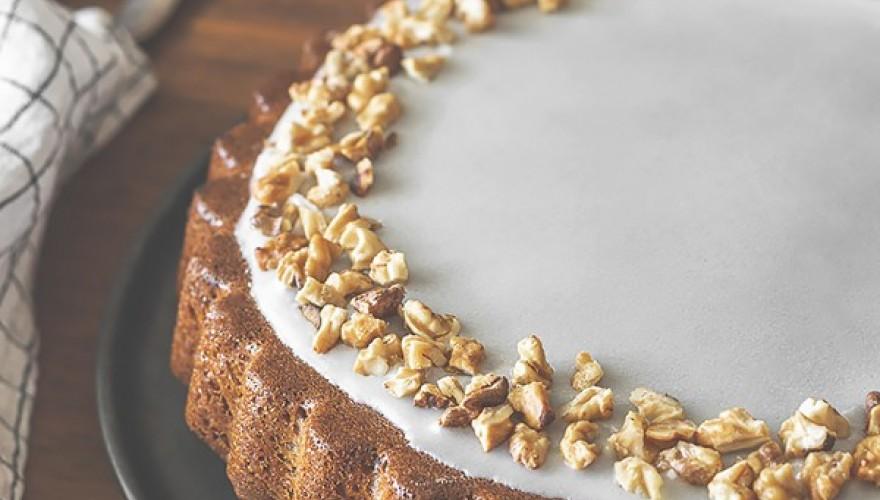 Carrot cake ~ Gâteau à la carotte, aux amandes, noix & épices !